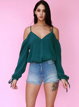 FAIRY OFF SHOULDER BLOUSE - HUNTER GREEN 페어리 오프숄더 블라우스 - 헌터그린