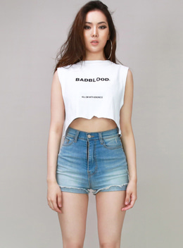 KILL THEM WITH KINDNESS BOXYFIT CROPPED SLEEVELESS - WHITE 킬 뎀 박시핏 크롭 나시 - 화이트