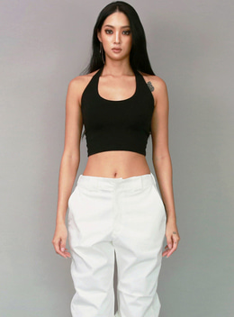 JENNER HALTER NECK TANK TOP - BLACK 제너 홀터넥 탱크탑 - 블랙