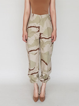 CLARA TWILL CARGO JOGGER TROUSERS - BEIGE CAMO 클라라 트윌 카고 조거 트라우져 - 베이지카모