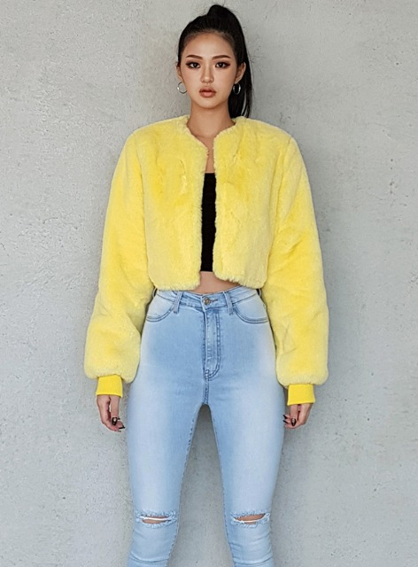 BERYL ECO FUR CROPPED JACKET - YELLOW 베릴 에코퍼 크롭 자켓 - 옐로우