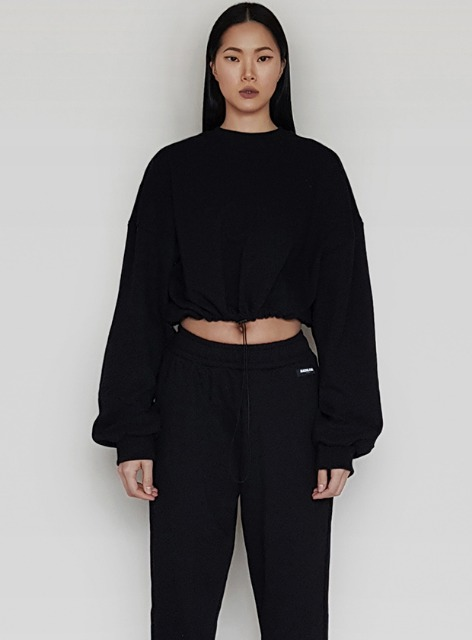 DARWIN CROPPED SWEATSHIRTS - BLACK 다윈 크롭 맨투맨 - 블랙