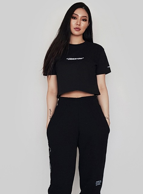 UNDERTONE CROPPED TOP - BLACK 언더톤 크롭탑 - 블랙