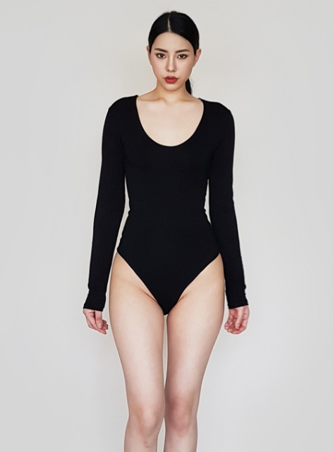JENNER LONG SLEEVE U NECK BODYSUIT - BLACK 제너 긴팔 유넥 바디수트 - 블랙
